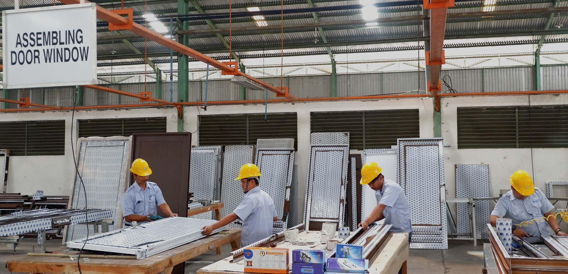 alcomex-indo-aluminium-laquer-furniture-extrusion-finished-goods-homeslide-8